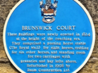 Menu link to  Brunswick court