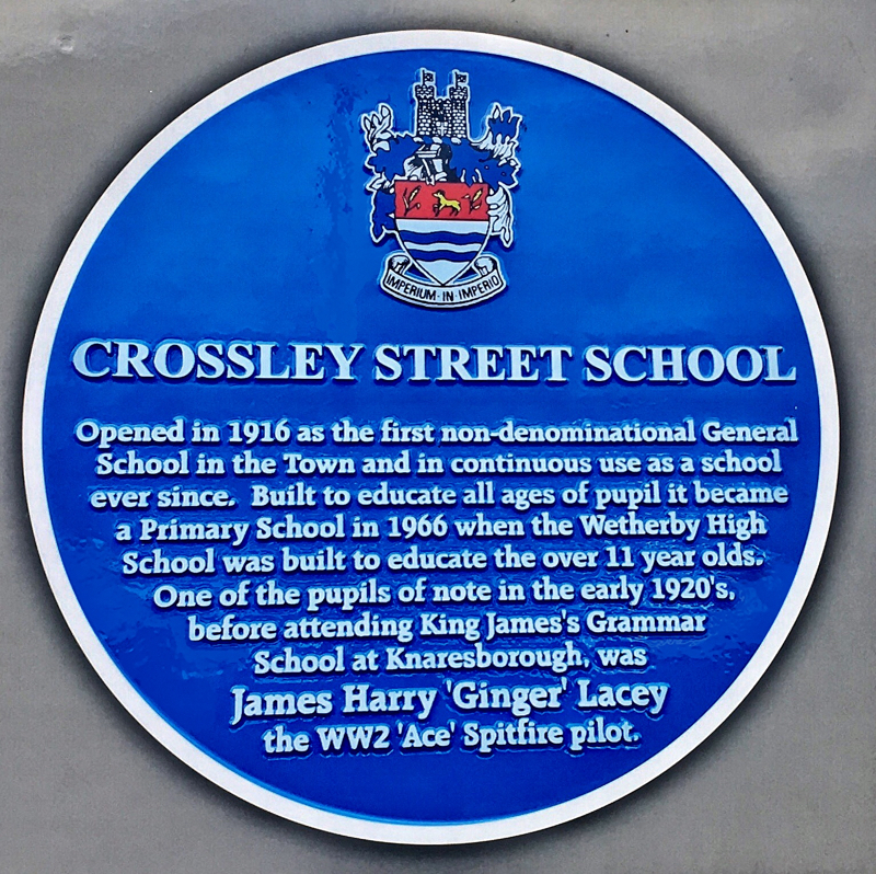 Photo of Crossley Street School blue plaque - text below