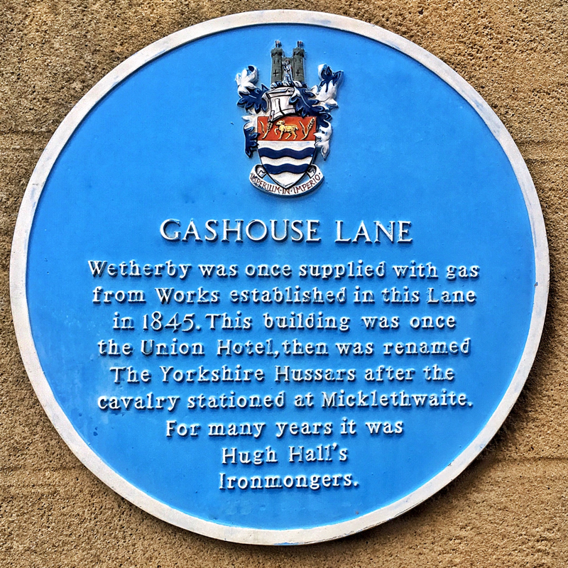 Photo of Gashouse Lane blue plaque - text below